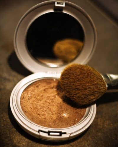 Learn how to make your own all-natural bronzer/contour powder and other DIY makeup recipes!